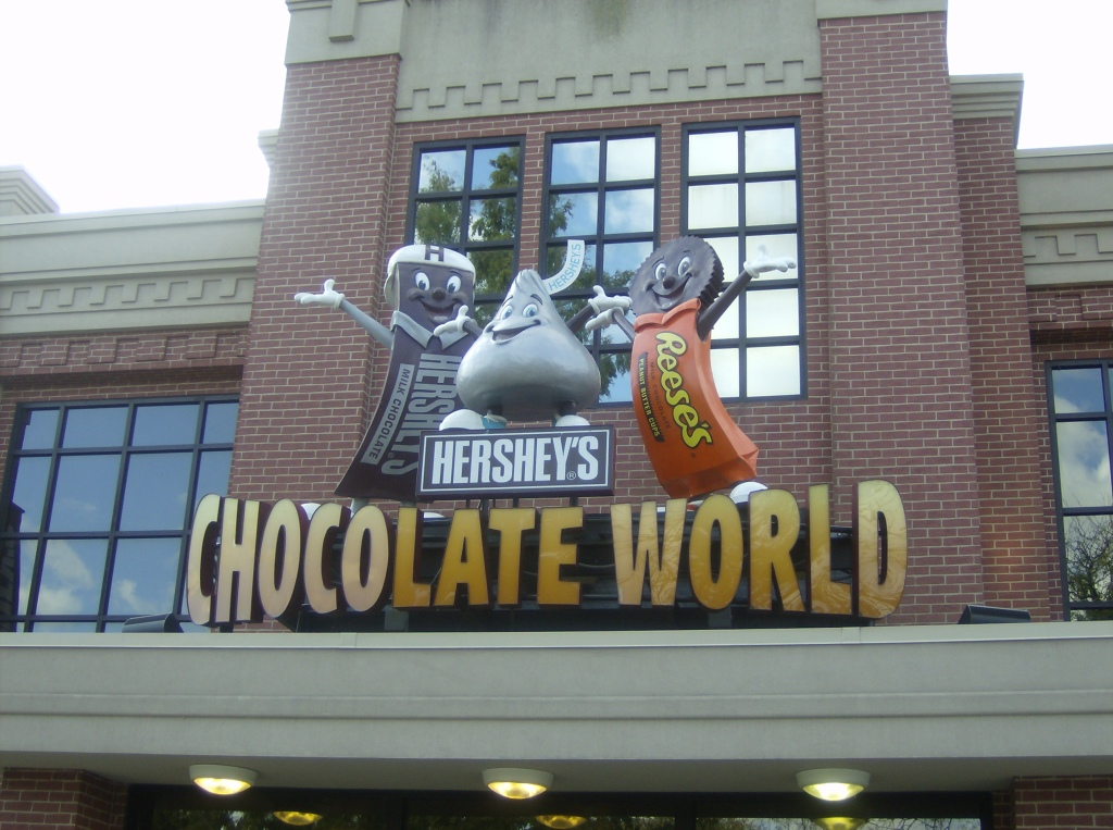 HersheyPark In The Dark: Taking Trick or Treating On The Road